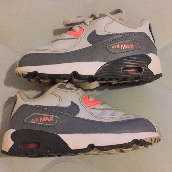 a269d5cb85 Nike Air Max Size 8C Toddler White Grey Pink. M_5b8892019264afc66e80b0d7